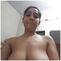 Jolie femme zarabe cochonne aux gros seins aux Avirons